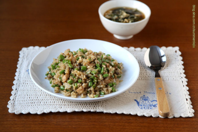 豇豆酱油素炒饭的做法