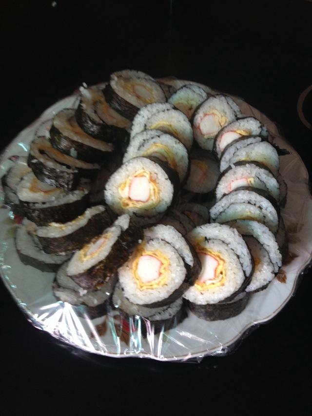 蛋卷寿司的做法图解1