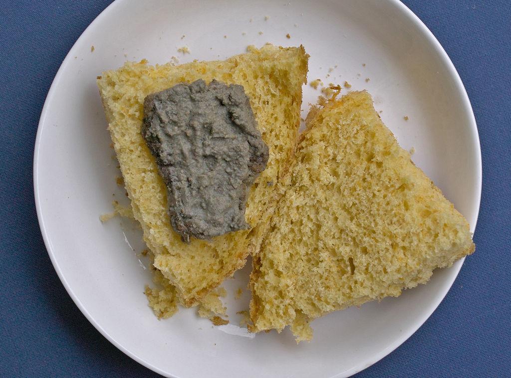 南瓜椰粉面包夹鹰嘴豆酱牛排的做法_【图解】南瓜椰粉
