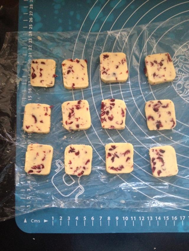 《烘焙配方:新手必做之蔓越莓曲奇饼干》