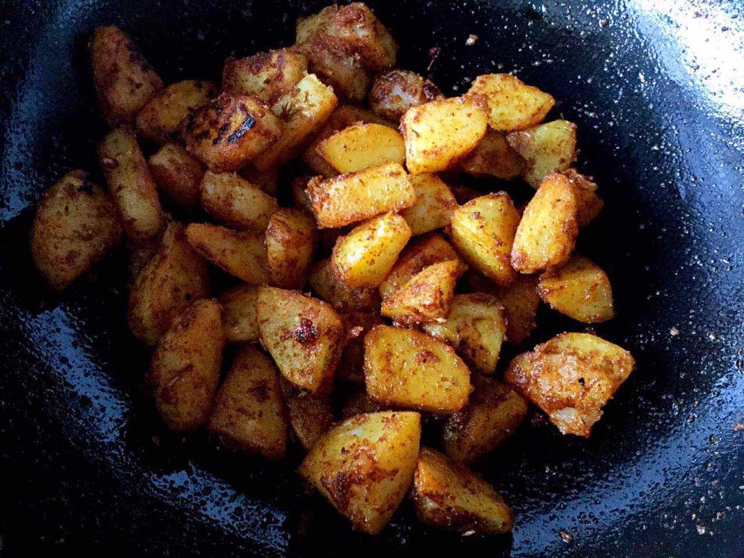 鍋巴土豆的做法圖解5