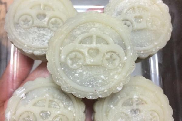 冰皮月饼的做法 冰皮月饼怎么做如何做好吃 冰皮月饼家常做法大全