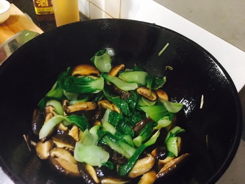 香菇油菜的做法图解4