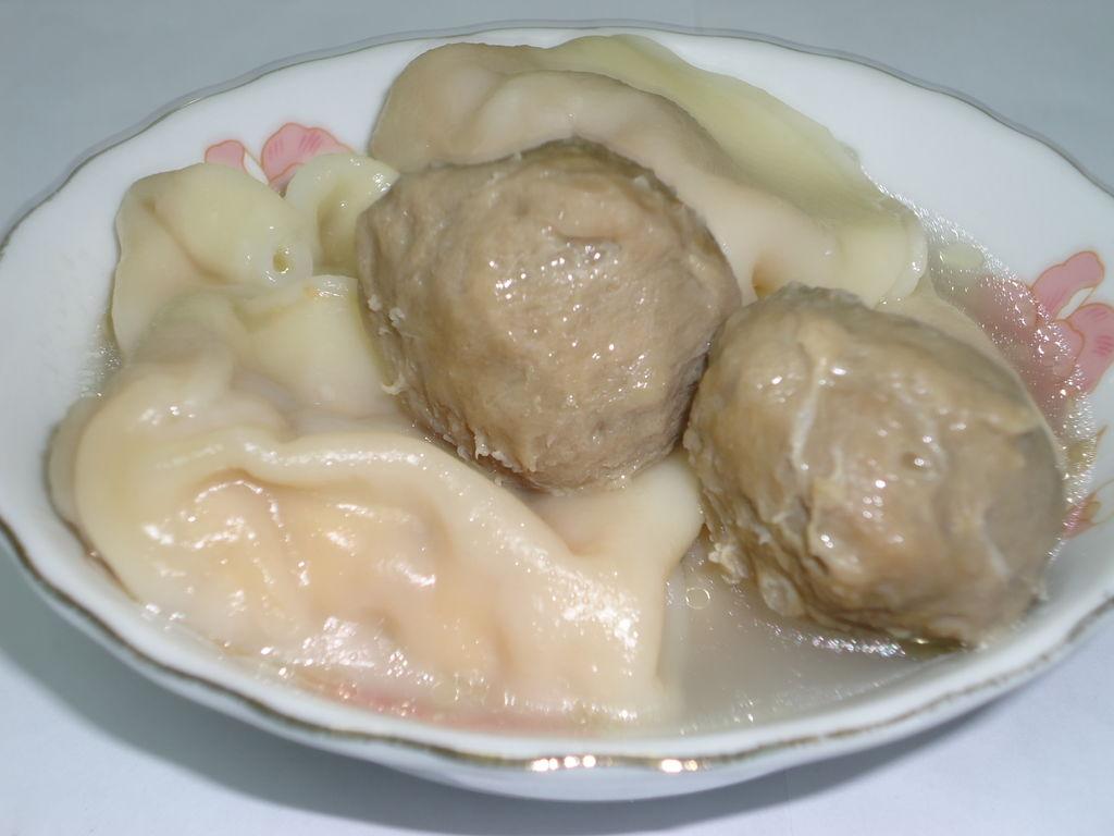 【浓汤宝】牛肉丸煮水饺的做法步骤