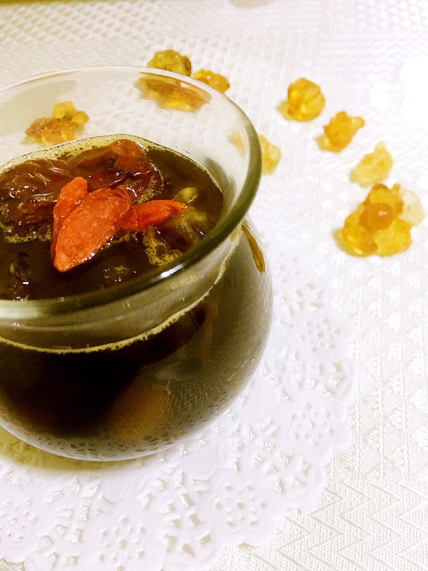 冬季滋补之桃胶炖皂米