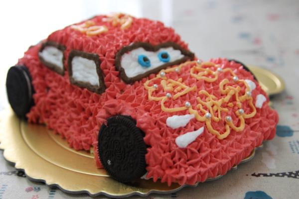 可爱的小汽车生日蛋糕儿的做法_【图解】可爱的小汽车