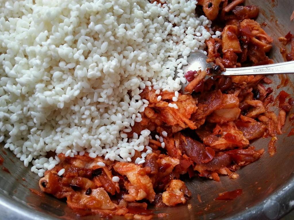 乐乐自家菜---猪肉糯米饭的做法图解3