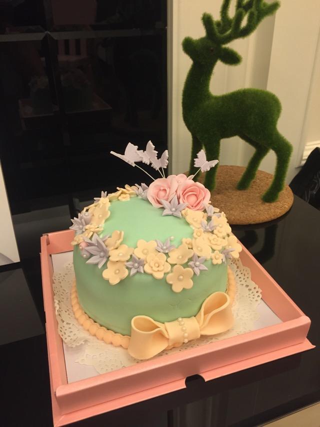 少女心梦幻翻糖蛋糕的做法