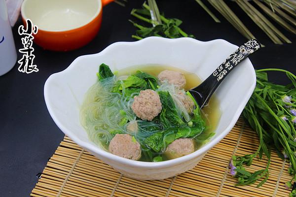 还不太油腻,这样就制作了这款菠菜粉丝肉丸汤,喜欢的看看,家庭特实用