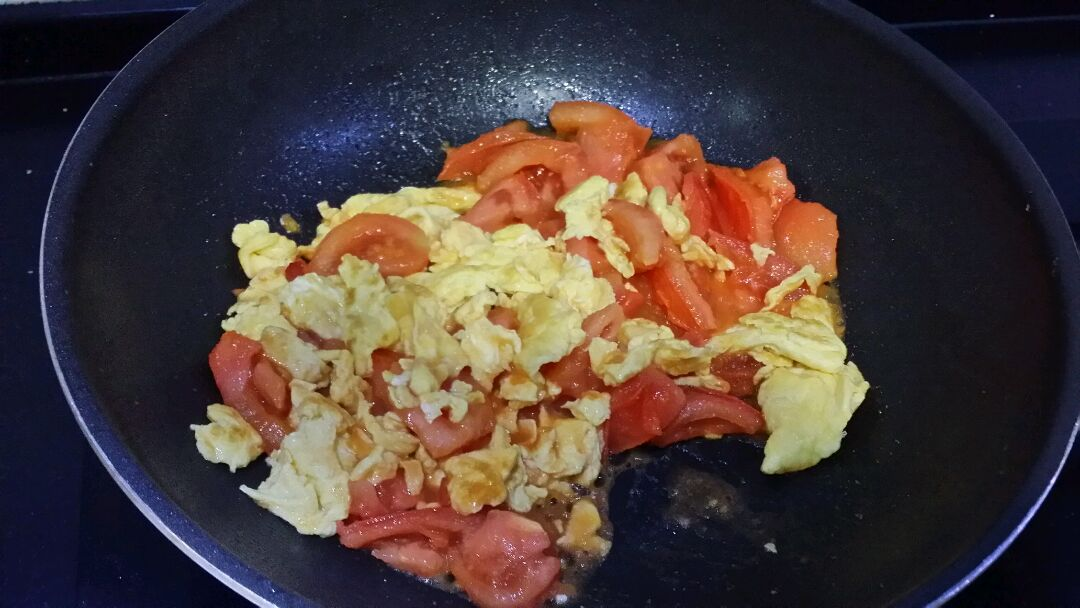西红柿炒鸡蛋(好吃新版)的做法步骤
