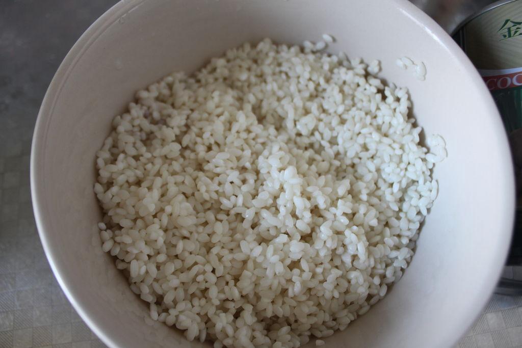 芒果糯米饭的做法图解1