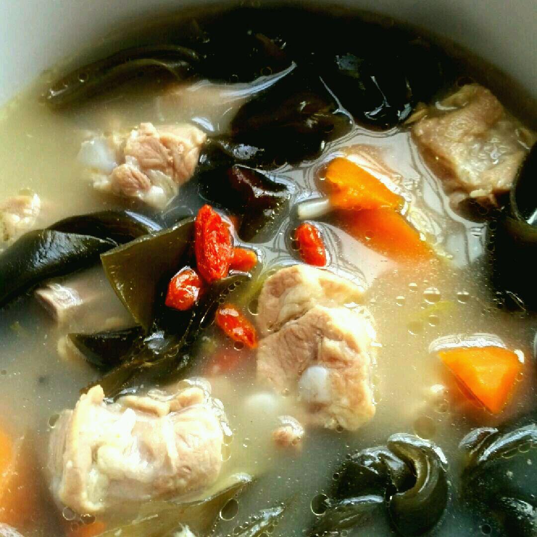 排骨胡萝卜海带汤的做法