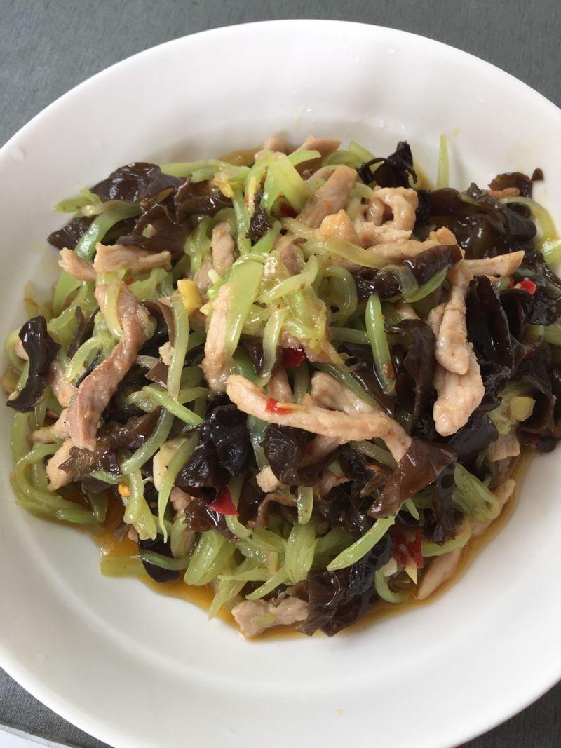 莴笋木耳炒肉的做法_莴笋木耳肉丝的做法_【图解】莴笋木耳肉丝怎么做如何做好吃
