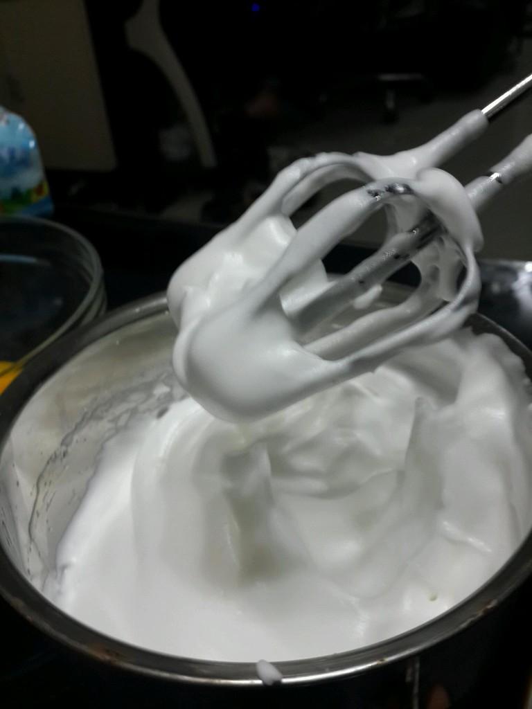 电饭锅酸奶蛋糕的做法步骤 6.