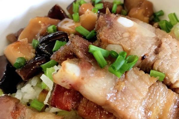 拌饭品牌蚝油糕点云南香菇烧肉带潘字的图片