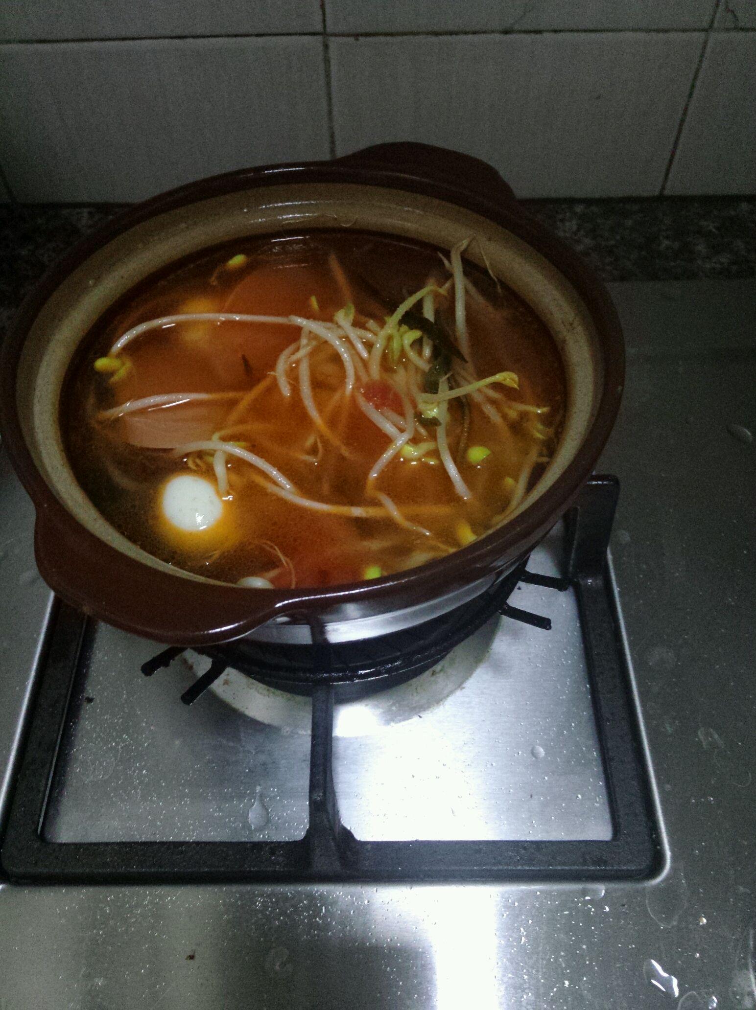 白色砂锅米线