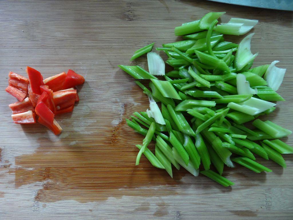 清炒芹菜的做法_【图解】清炒芹菜怎么做如何做好吃