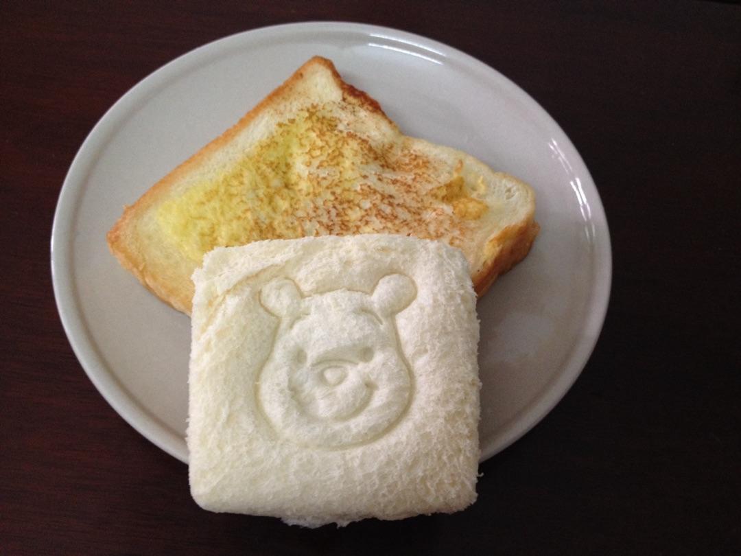 维尼熊吐司早餐