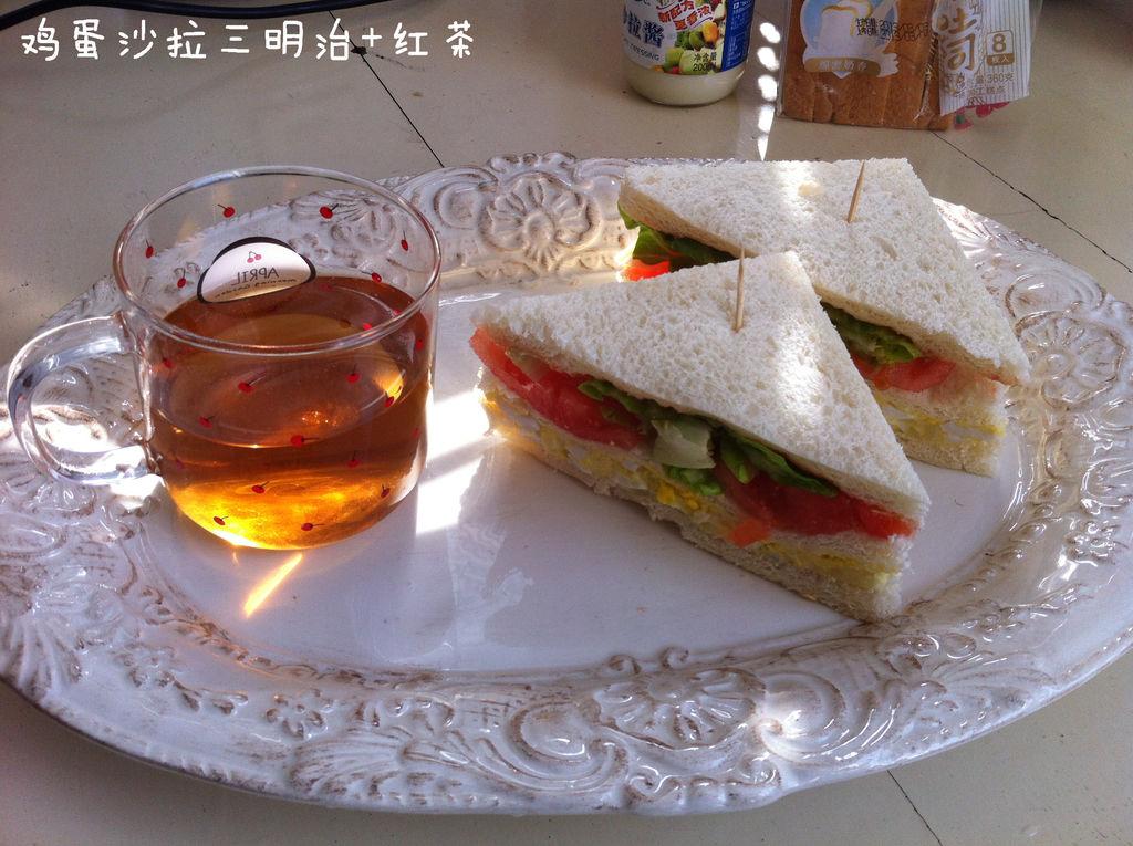 鸡蛋沙拉三明治的做法步骤 1.