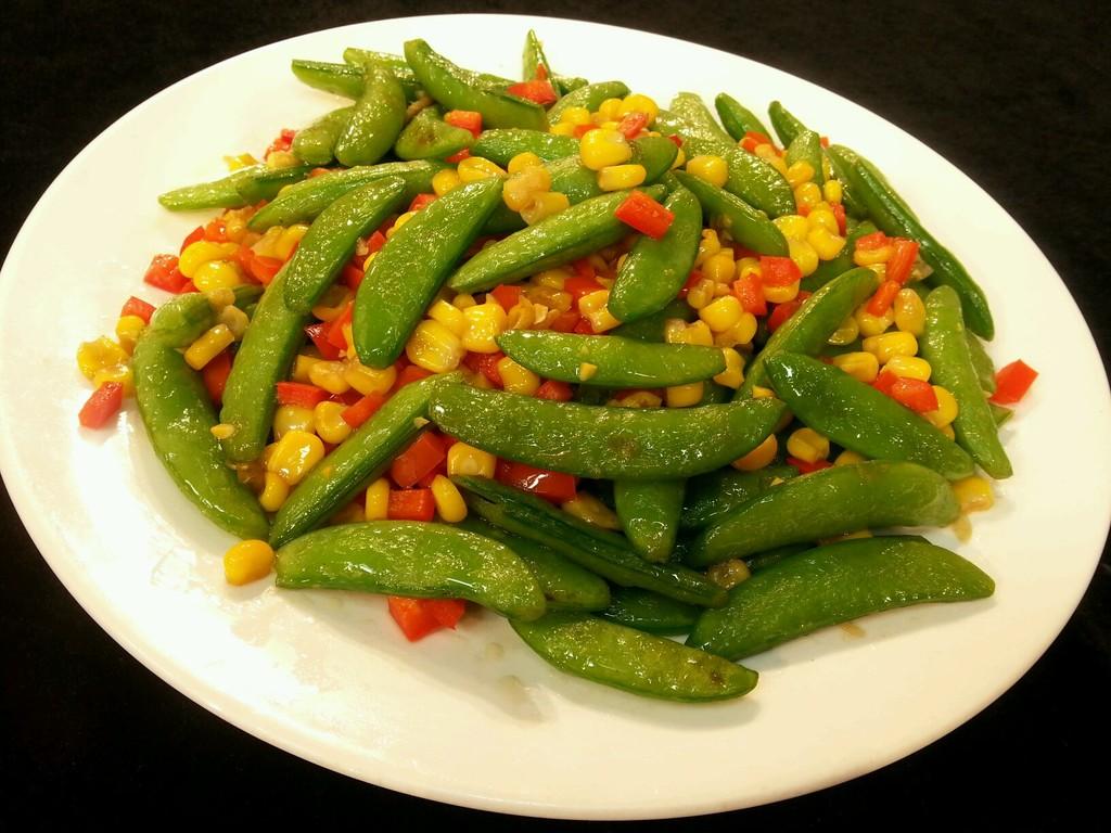 乐乐自家菜---素炒豌豆玉米的做法图解4