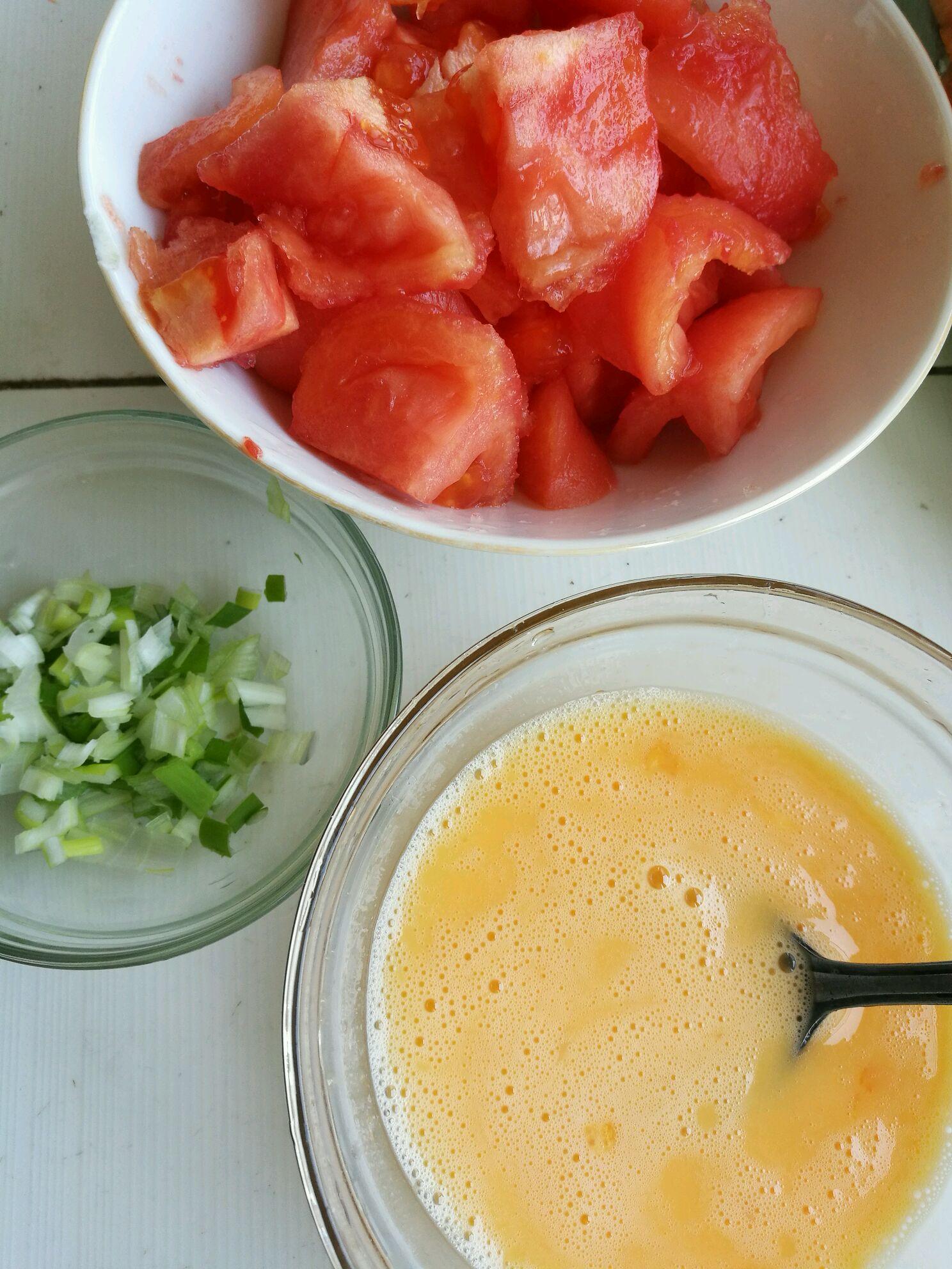 西红柿炒鸡蛋的做法步骤