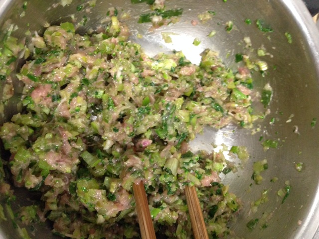 宝宝猪肉青菜水饺的做法图解2