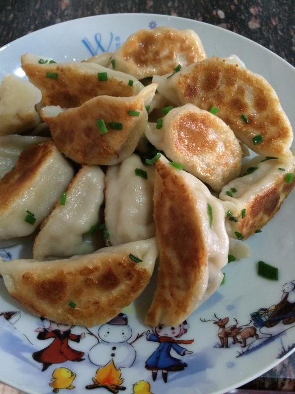 煎饺的做法_【图解】煎饺怎么做好吃_煎饺_家常做法