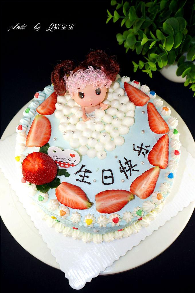 泡浴娃娃生日蛋糕#寻人启事#的做法_【图解】泡浴娃娃
