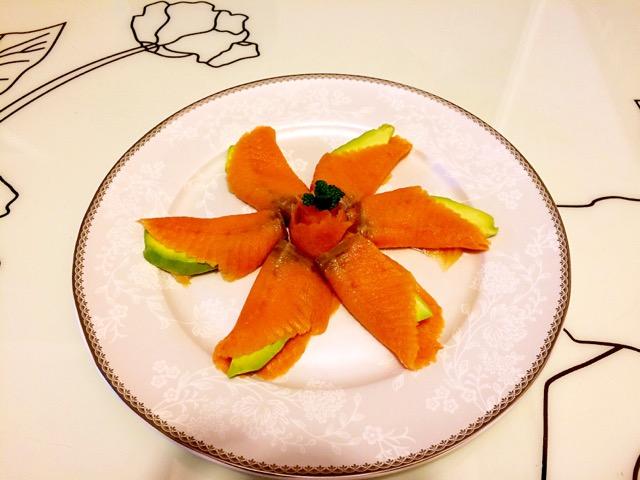 三文鱼牛油果冷盘的做法步骤 分类: 凉菜        本菜谱的做法由 双鱼