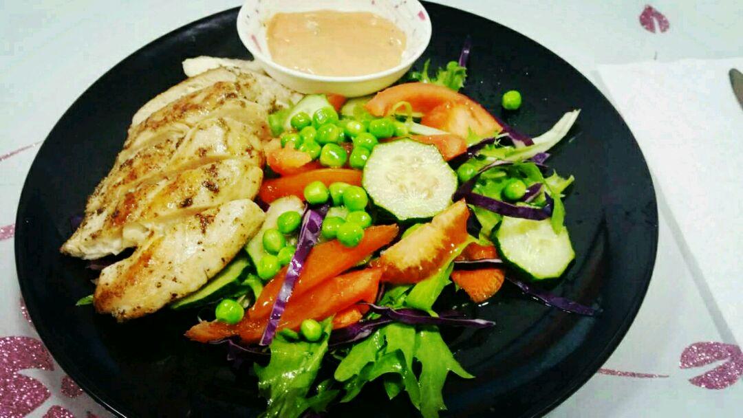 鸡胸肉蔬菜沙拉的做法步骤
