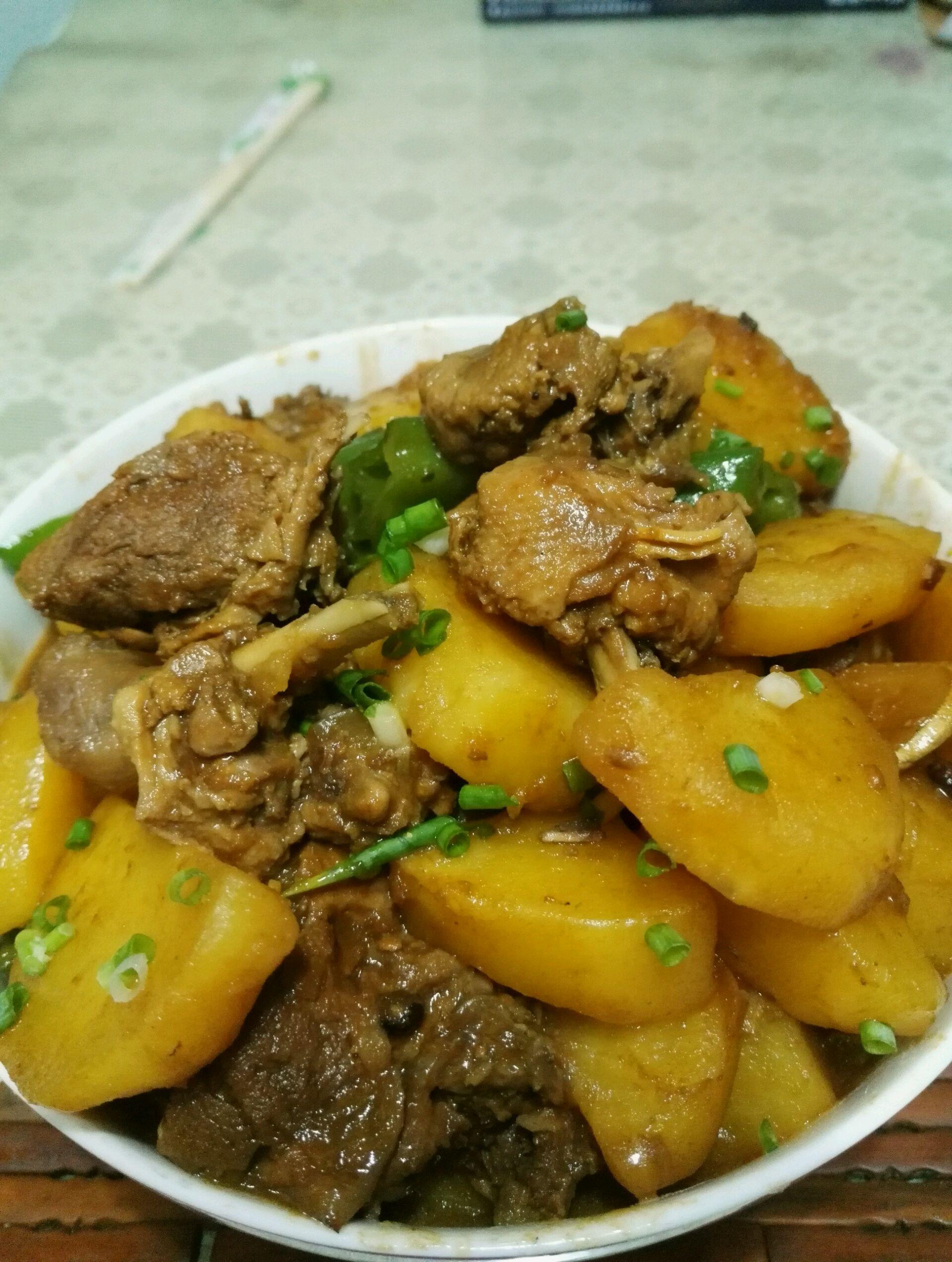 土豆焖鸭,土豆焖鸭如何做好吃