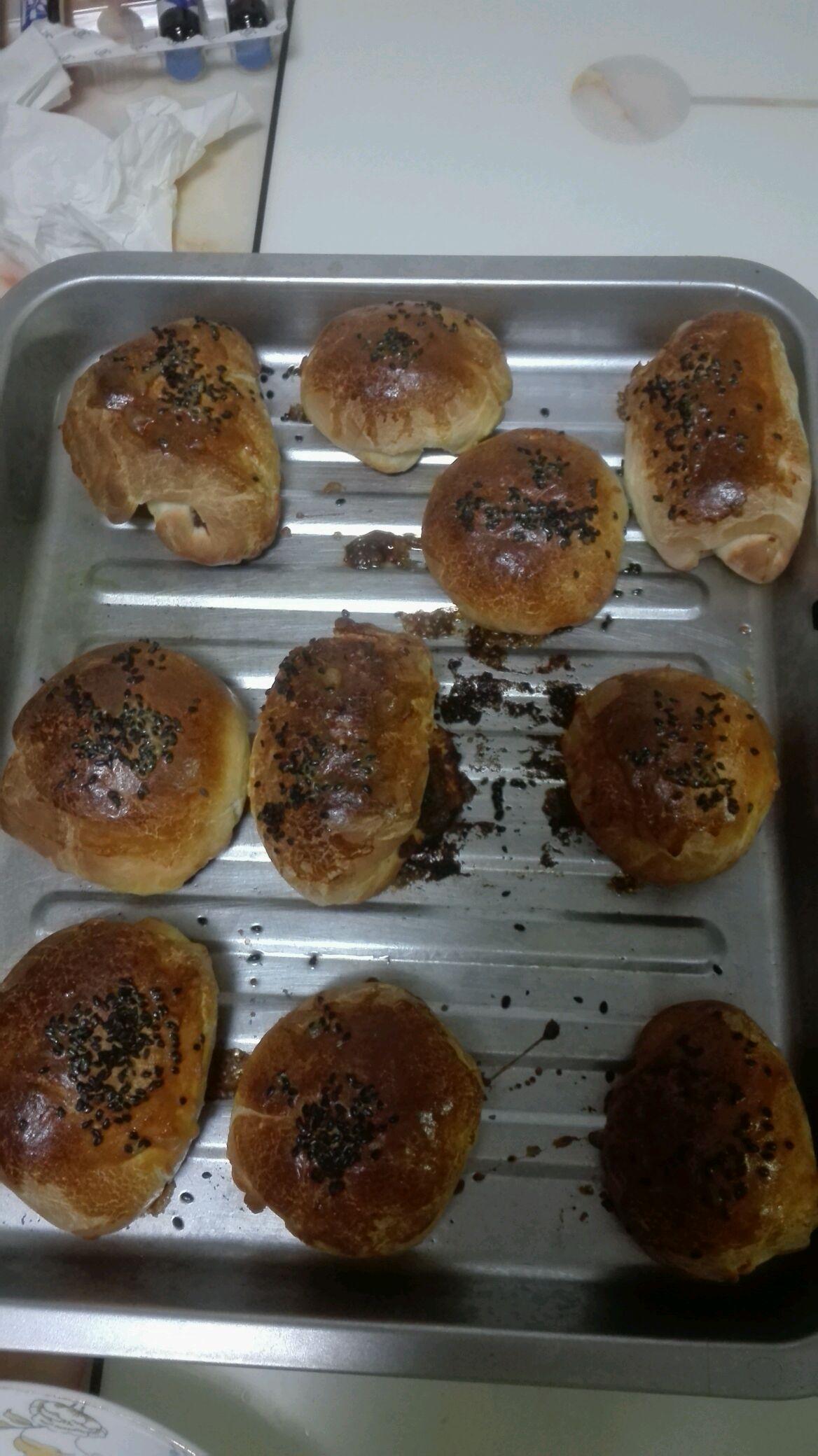 盐1小勺 糖2小勺 黄油1勺 鸡蛋1个 烤箱烤面包的做法步骤 小贴士 揉面