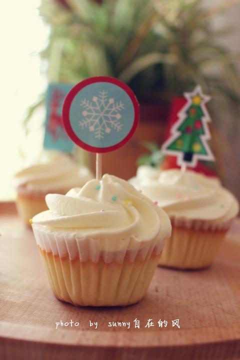 海绵纸杯蛋糕~圣诞节可爱小点心#九阳烘焙剧场#的