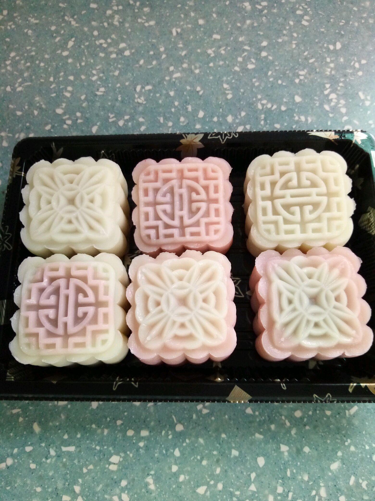 玫瑰花馅冰皮月饼的做法图解4