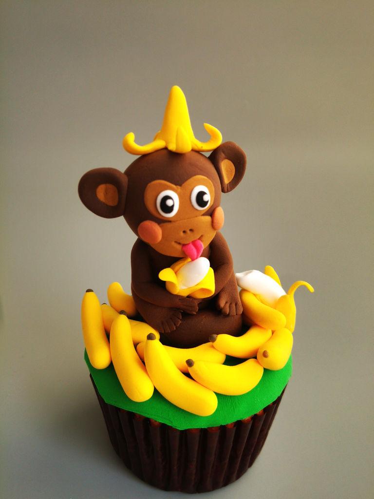 猴赛雷吃香蕉翻糖蛋糕的做法_【图解】猴赛雷吃香蕉做