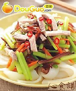 芹菜凉拌粄条的做法