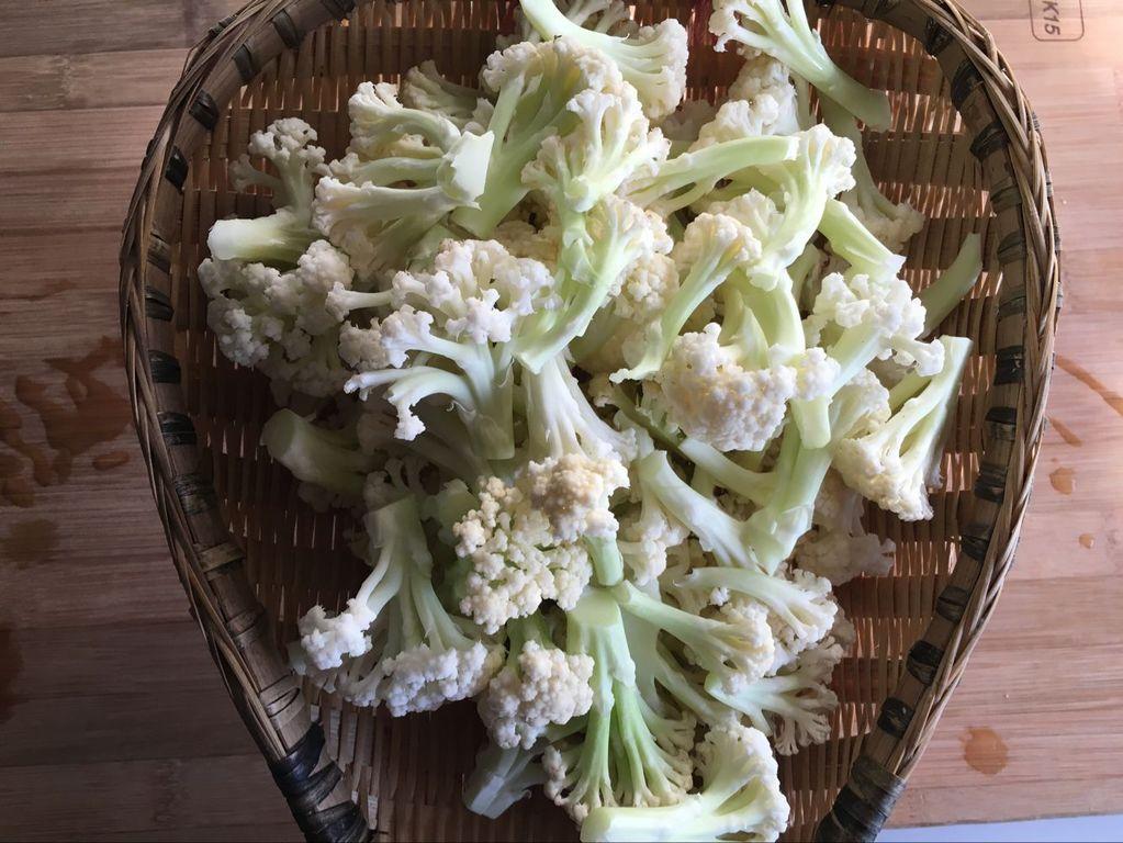 干锅菜花的做法图解1