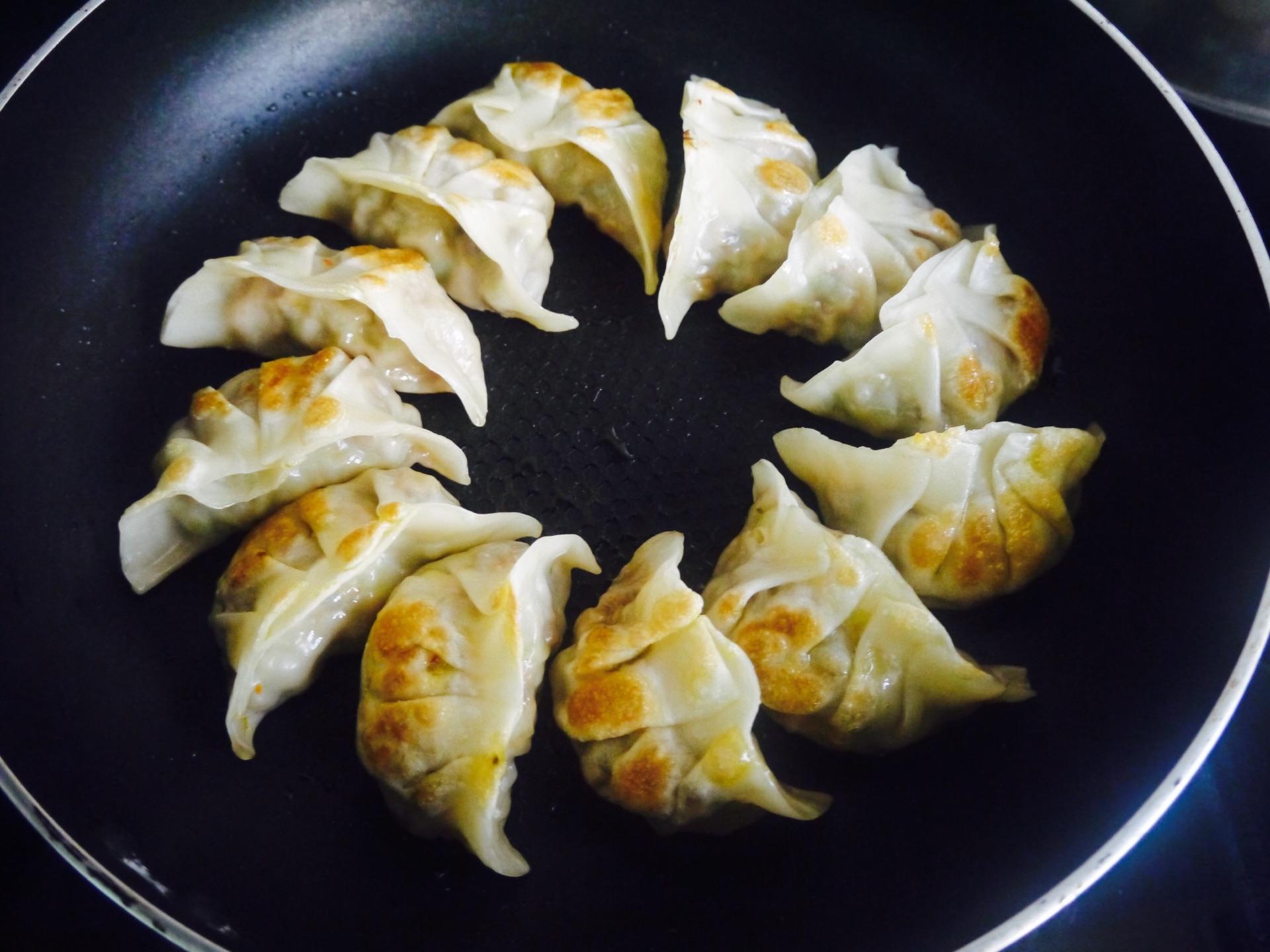 包菜香菇肉饺子~最爱的做法图解8