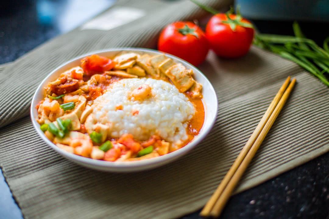 主料 白豆腐 茄汁虾仁豆腐盖浇饭的做法步骤        本菜谱的做法由