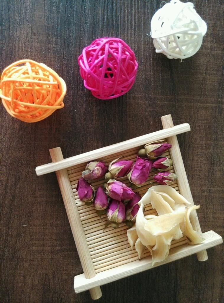 玫瑰百合红豆沙的做法步骤