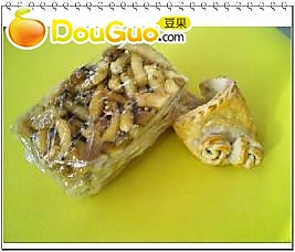 自制北方传统小吃萨其马的做法