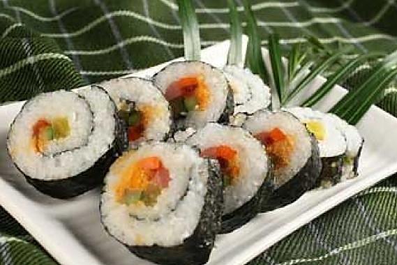 卷卷卷~米饭变寿司的做法_【图解】卷卷卷~米饭变寿司