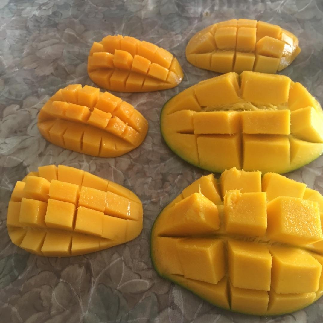 花式八寸芒果千层的做法步骤