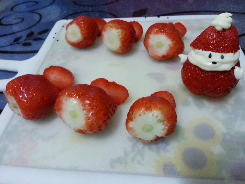 草莓雪人的做法步骤