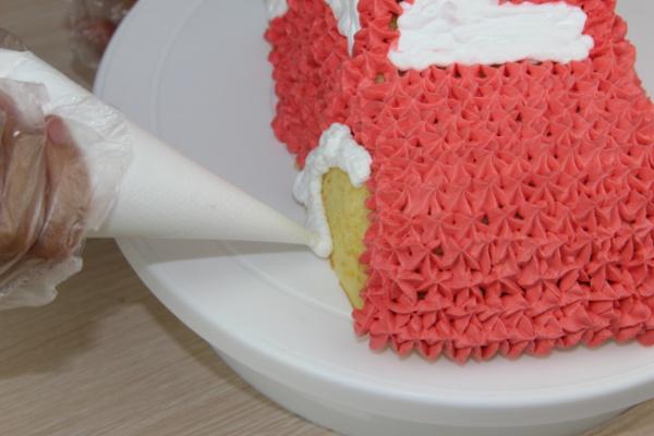 可爱的小汽车生日蛋糕儿的做法图解10