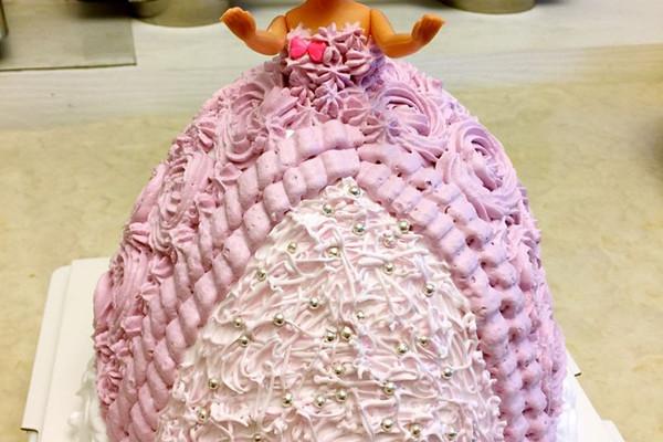 芭比公主蛋糕的做法步骤