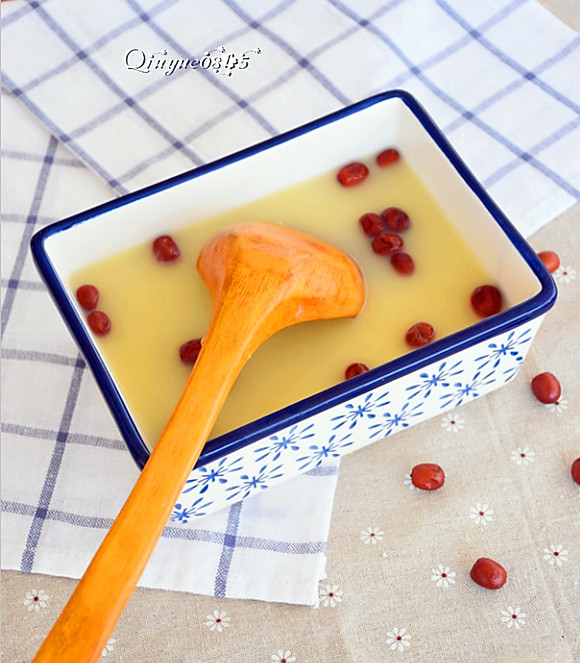 养生红枣小米粥