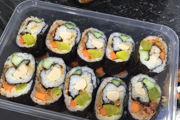 韩式紫菜包饭的做法_【图解】韩式紫菜包饭怎么做如何