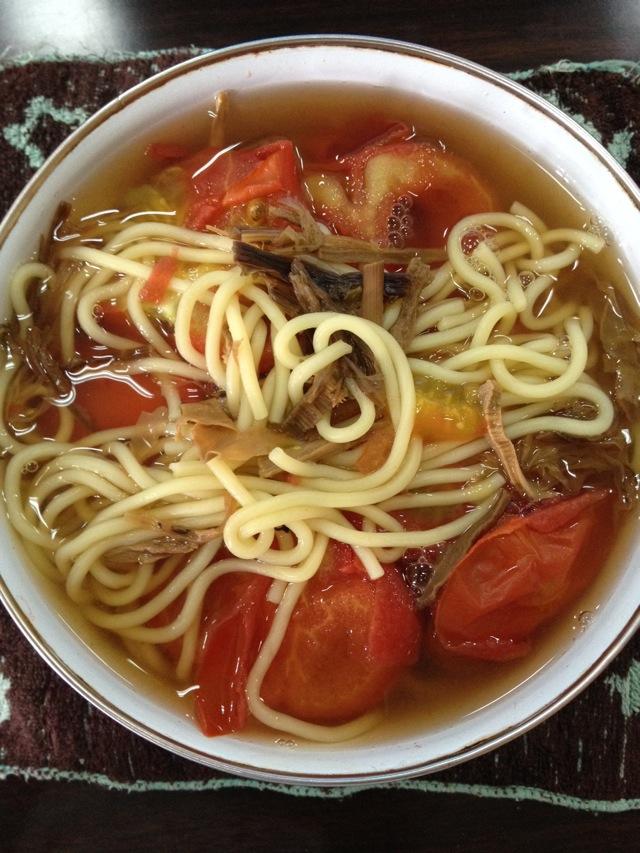 干菜番茄拉面的做法图解1