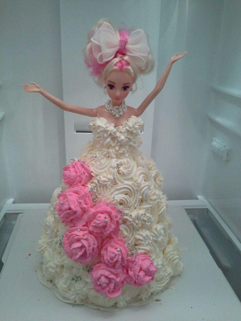 芭比娃娃生日蛋糕